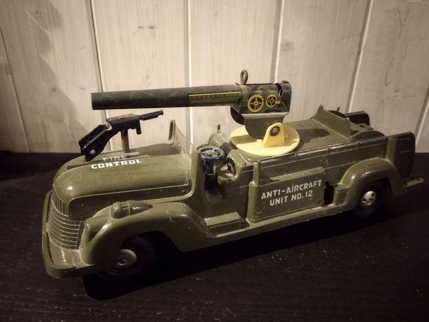 Brinquedos militares antigos / carros de combate / tanques