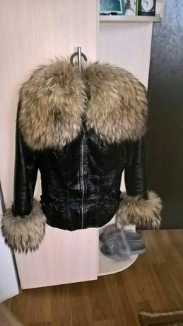 Куртка кожаная р 42 подросток
