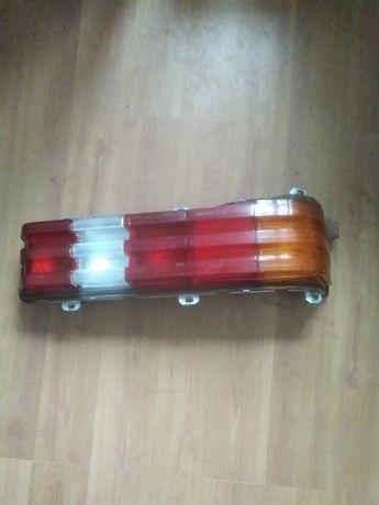 Продаю запчасти на Мерседес 123 кузов задний правый фонарь