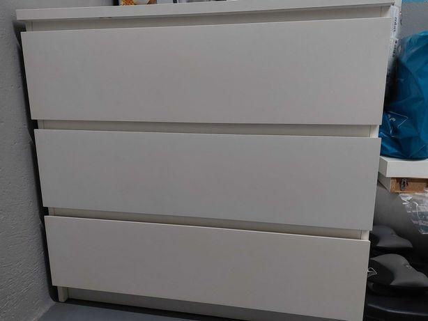 Cómodas brancas IKEA