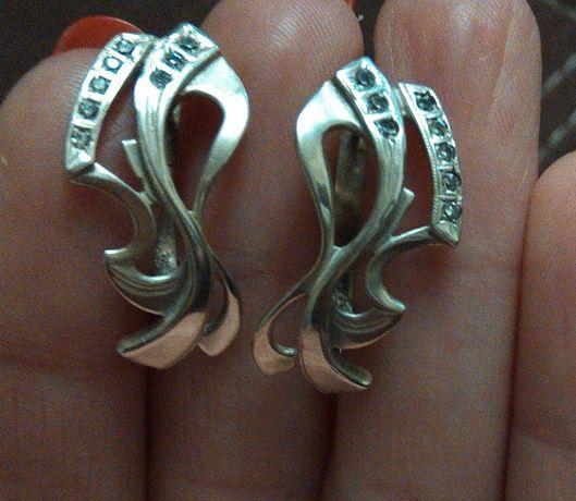 Продам серьги серебряные