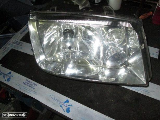 Farol REF0199 VW / BORA / 2003 / DRT / H4 / HELLA /
