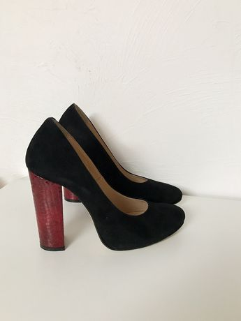 Туфлі , жіноче взуття ,