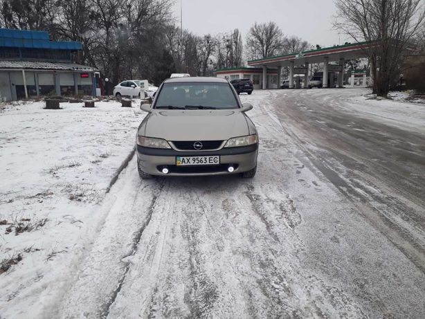 Продам Опель Вектра Б 1.8 Opel Vectra В