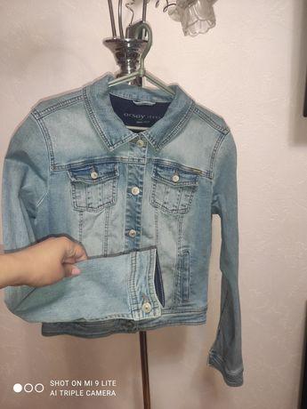 Куртка джинсова фірмова L