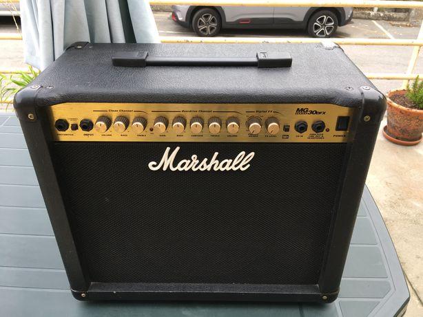 Amplificador de guitarra Marshall MG 30 DFX