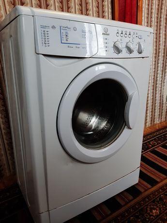 Продам стиральную машину б/у Indesit