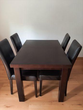 Solidny  stół,  rozkładany