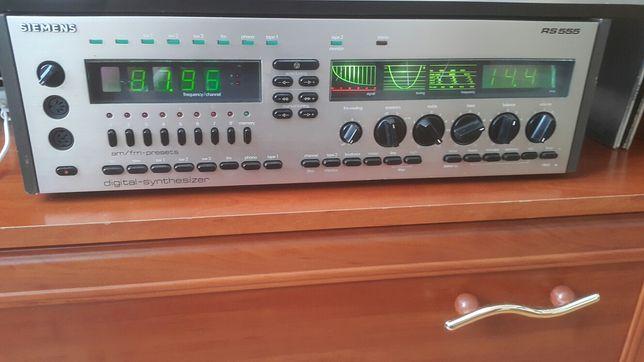 Amplituner Siemens Rs 555. Top stan.