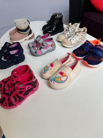 Buty dziewczece w rozmiarze 21