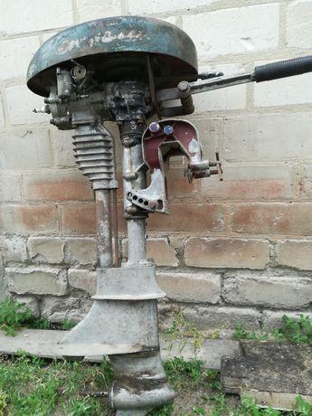 Лодочный мотор Стрела.