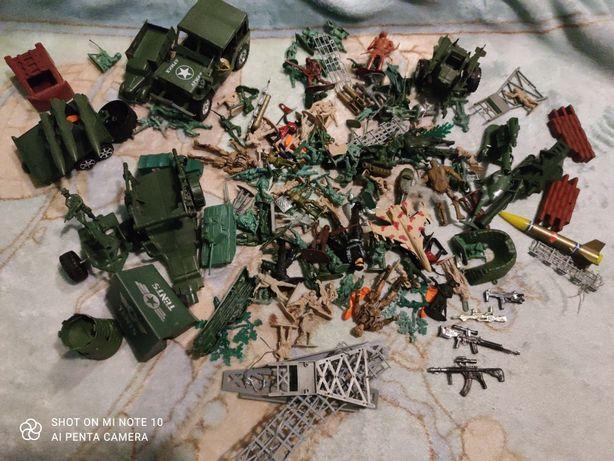 Żołnierzyki /militaria /zestaw dla chłopca