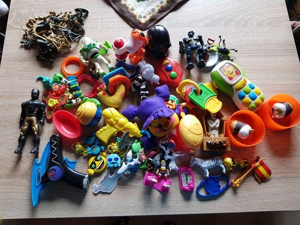 Zabawki z kinder i trochę większych