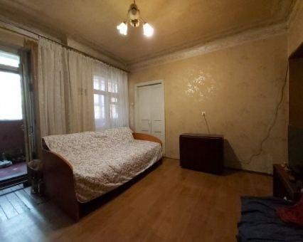 Продам 4-к квартиру в центре на Артема
