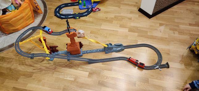 """Железная дорога Игровой набор """"Разбитый корабль"""" Томас и друзья CDW87"""