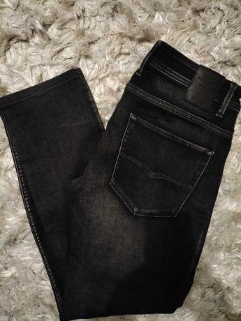 Calças pretas da Salsa