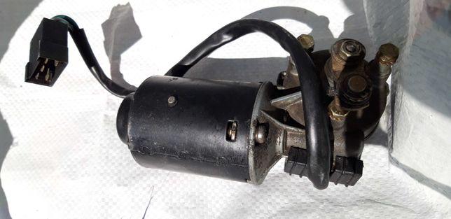 Motor de escovas limpa para-brisas UMM Alter II