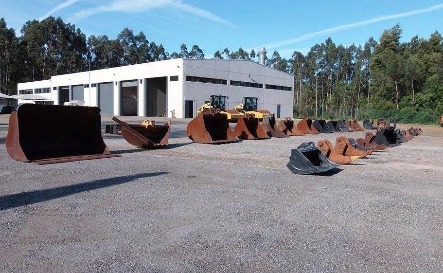 Baldes Diversos Escavadoras MiniEscavadoras Vila Nova de Gaia - imagem 1