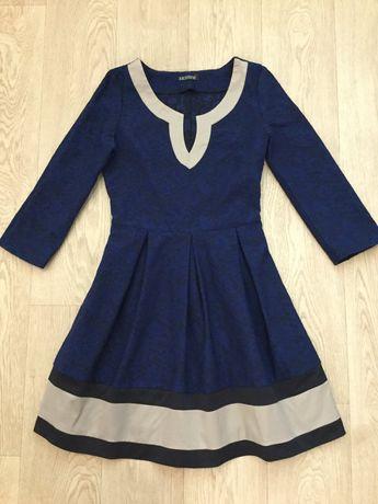 Платье 42-44 размера