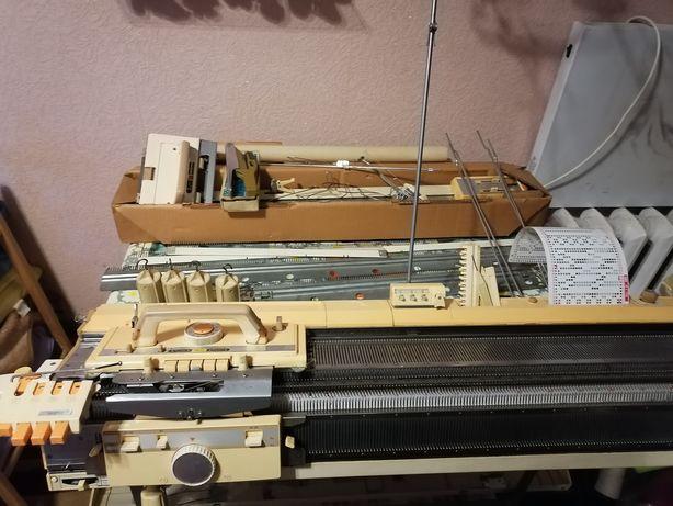 Brother KR 830 перфокарточная двухфонтурная вязальная машина