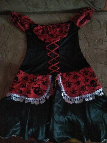 Плаття може бути і на дівчинку і на жінку до 155см