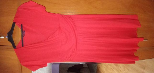 Czerwona sukienka lato