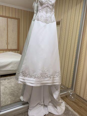 Весільна сукня із США