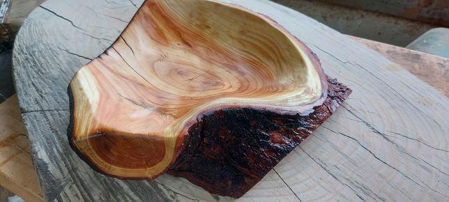 Miska z drewna ręcznie robiona podpalana