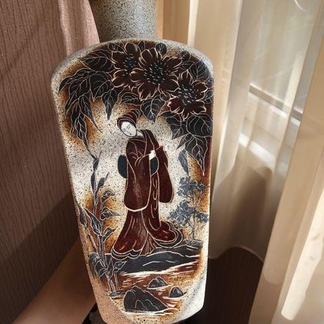 Продам красивую керамическую вазу для цветов