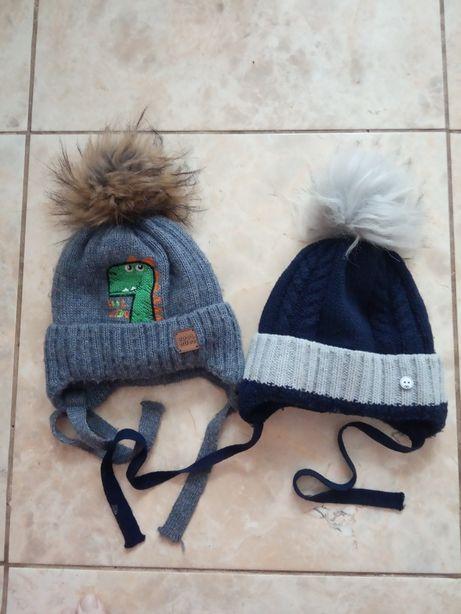 Зимние шапки синяя и серая