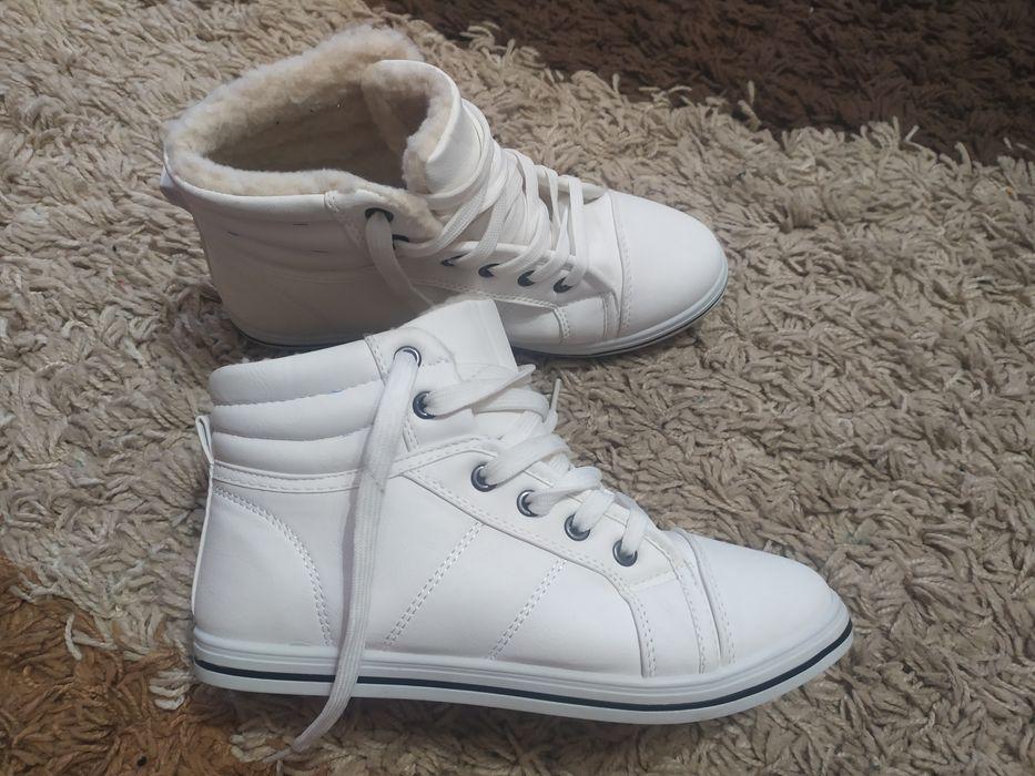 Кросівки зимові 38 розмір дівочі Мукачево - изображение 1