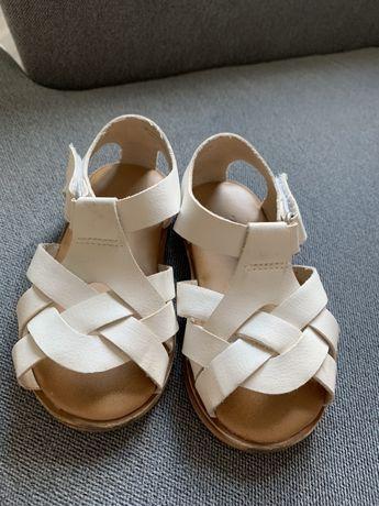 Sandalki ZARA 19