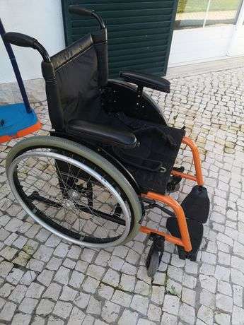 Cadeira rodas Kuschall liga leve