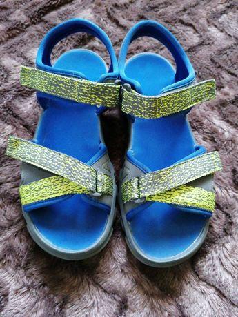 Sandały chłopięce r. 36 Decathlon na rzepy
