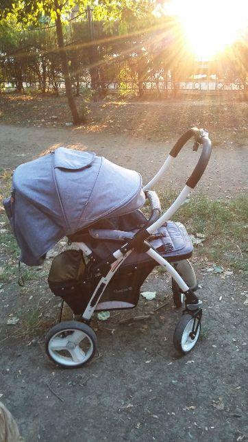 Продам б/у детскую прогулочную коляску Quatro Monza