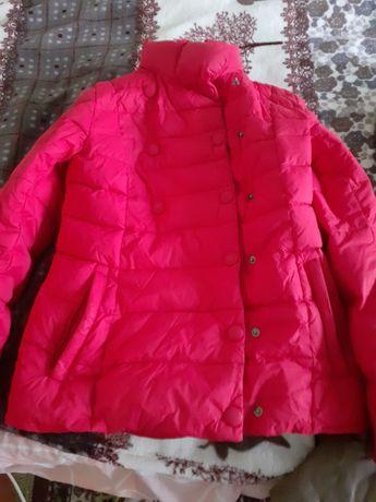 Курточка на дівчину