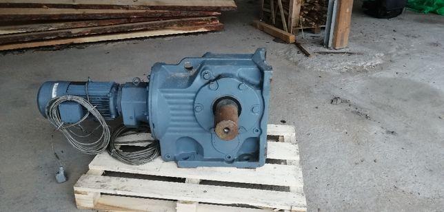 Motoreduktor SAW
