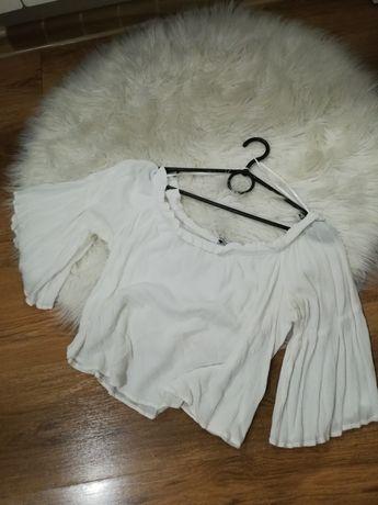 Bluzka hiszpanka biała bershka