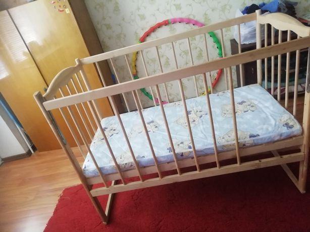 Продам детскую кроватку + матрас.