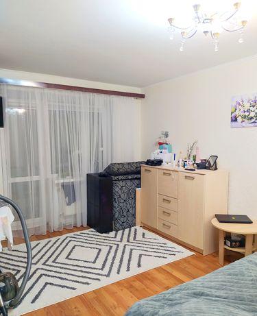 Продам 2 - х комнатную квартиру на Максима Шимка автономное отопление