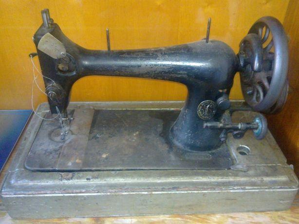 Швейная машинка Зингер Singer