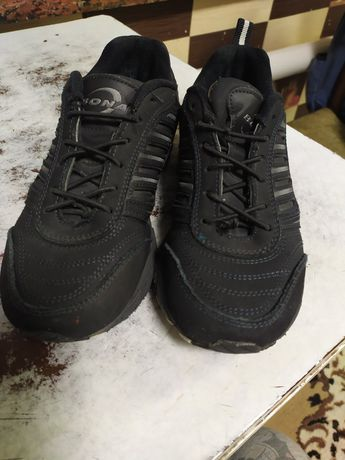 Продам кроссовки состояние идеальное 36 р