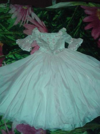 Нарядное платье на выпускной, свадьбу или День рождения