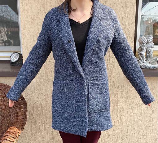 Płaszcz kurtka w kolorze jeansowym