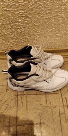 Кроссовки Bona 42 размер