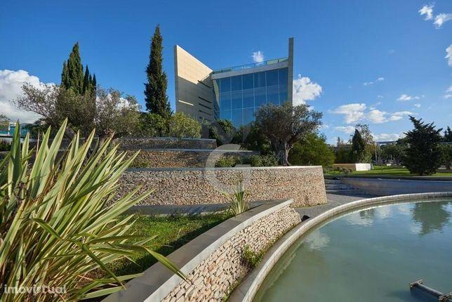 Edifício premium de escritório no Parque dos Poetas, Oeiras