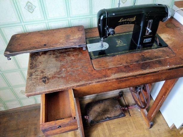 Maszyna do szycia Łucznik kl. 90 z szufladami