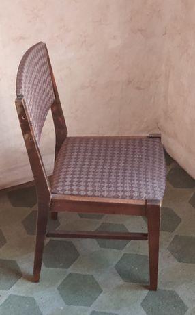 Krzesła tapicerowane drewniane PRL