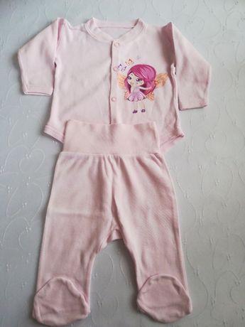 Komplecik niemowlęcy r. 62
