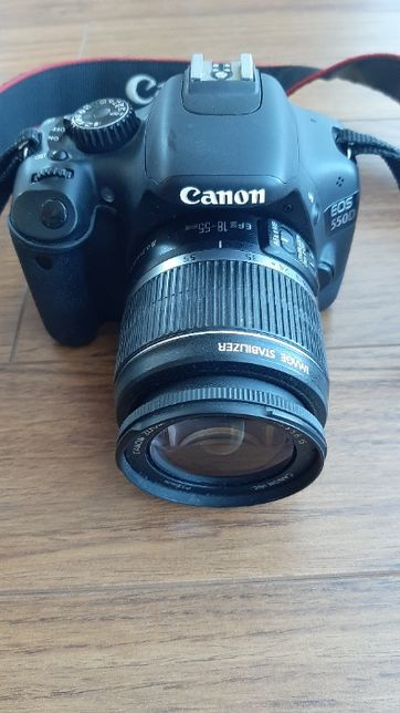 Canon EOS 550D + efs 18-55mm macro 0.25m/0.8ft